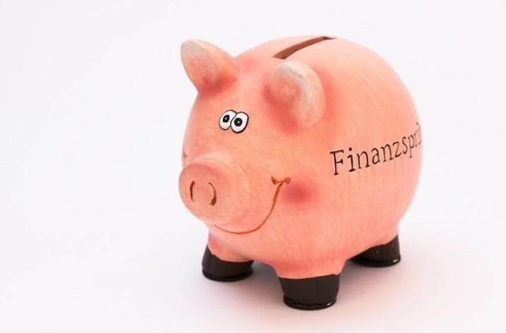 Potrebujete si požičať peniaze? Nie tak rýchlo