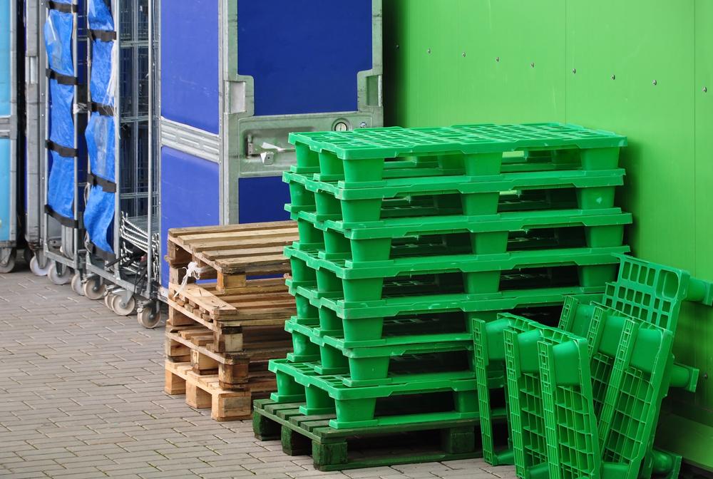 e449d70a0c36f Plastové palety vhodné na export a jednoduché stohovanie - Ekonom.sk