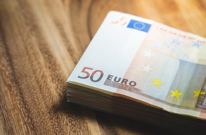 Najväčšie chyby, ktorých sa ľudia dopúšťajú pri hospodárení s financiami