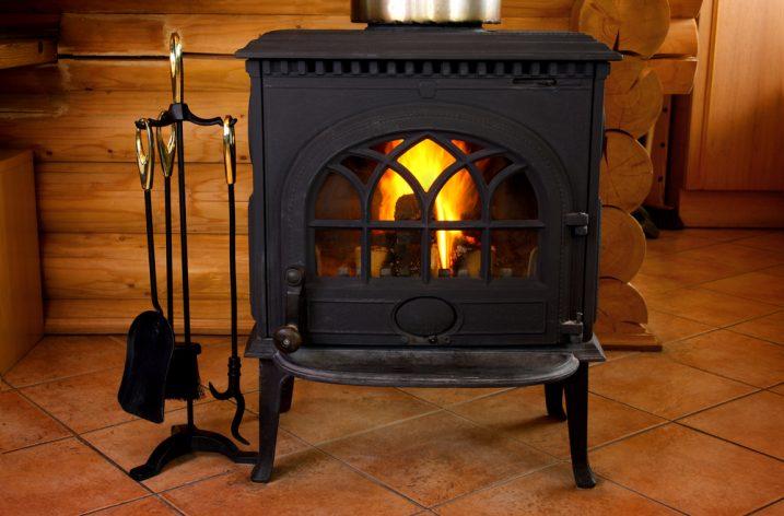 Môžete kúriť drevom aj uhlím