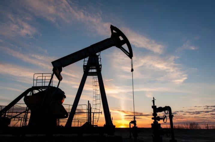 Vývoj ceny ropy ovplyvňuje spustenie americko-čínskej obchodnej vojny