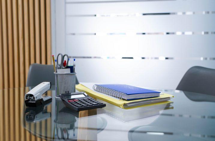 Vybavenie pre vašu kanceláriu a pomôcky pre školákov